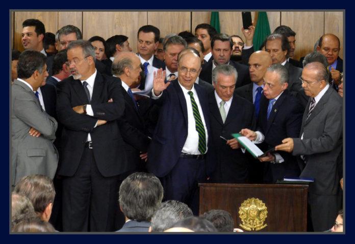 Temer assumindo a Presidencia do Brasil